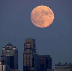 Here's how to photograph tonight's supermoon - without making it look rubbish