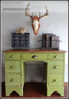{createinspire}: Boy's Desk - green and wood