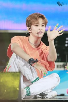 lmao mark is like of this board Nct 127 Mark, Mark Nct, High School Crush, Nct Dream Members, Johnny Seo, Love Of My Life, My Love, Fandoms, Lee Min Hyung