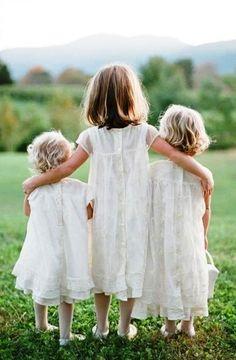 #Sibling #photography idea three #Sisters ToniK ~•❤• Bébé •❤•~ Adorable