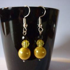 Paire de boucles d'oreilles / perles jaunes et noires