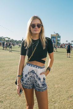 Enjoy the Coachella 2015 Street style! Those girls are the best!!