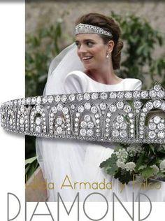 FOUNTAINS – ART DÉCO DIAMOND TIARA   CARTIER more about the jewel history Fountains – Art Deco Diamond Tiara   Cartier   Feathers Diamond on Top https://royal-magazin.de/spain/guemes-art-deco-cartier-tiara-fontaine.htm #bridal #tiara of the condesa guemes https://royal-magazin.de/spain/guemes-armada-falco-cartier-tiara-artdeco.htm