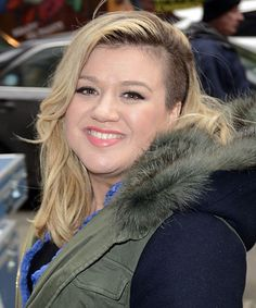 A Fox News host speaks out after making some VERY rude comments about Kelly Clarkson