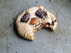 Flourless Almond Butter Dark Chocolate Chunk Cookies with sea salt {gluten free, amazingly good}