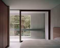 Villa Waalre by Russell Jones. Designed by Russell Jones, Villa Waalre is a minimalist house located in Eindhoven, The Netherlands. Home Interior, Interior Architecture, Interior And Exterior, Interior Design, Arch Interior, Interior Styling, Eindhoven, Russell Jones, Journal Du Design