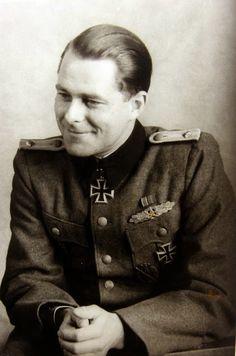 SS-Obersturmführer Hans Bauer (12 Maret 1919 - 30 Maret 1983)