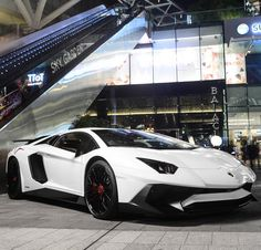 Lamborghini Aventador Super Veloce Coupe painted in Bianco Isis w/ Black factory Dianthus Wheels and Red center caps  Photo taken by: @blackfoxphotography on Instagram