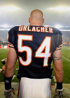 Chicago Bears- Still my favorite Chicago Bears linebacker is Brian Urlacher and he is the Hall Of Famer linebacker that, Brian still # 1 linebacker of the Bears. Let's go Bears ! Chicago Bears, Chicago Football, Bears Football, Football Team, College Football, Nfc North, Bear Head, My Kind Of Town, National Football League