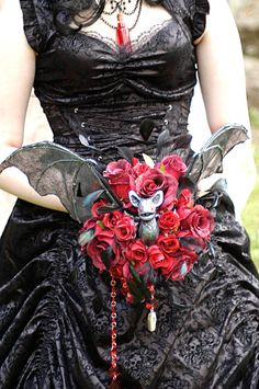 "Bram Stoker-inspired ""Vampiress"" Bridal Bouquet on Etsy"