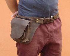 Leather Utility Belt Bag Hip Pouch and Travel Belt in Black Leather Utility Belt, Leather Belt Bag, Leather Handbags, Hip Bag, Waist Pack, Mode Style, Guys And Girls, Leather Craft, Brown Leather