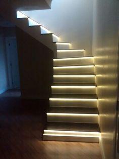 Escada Com Iluminação LED. Https://youtu.be/MWCxr3XPF4s