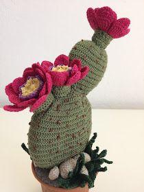 Cactus Amigurumi - Ideas and Tutorials Crochet Puff Flower, Crochet Fruit, Crochet Cactus, Crochet Flower Patterns, Crochet Flowers, Crochet Home, Knit Crochet, Double Crochet Decrease, Cactus Craft