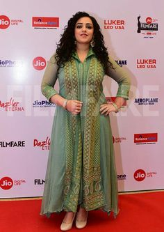 South Indian Actress, Beautiful Indian Actress, South Actress, Digital Life, Night Outfits, Outfit Night, Beautiful Saree, Beautiful Women, Bollywood Fashion