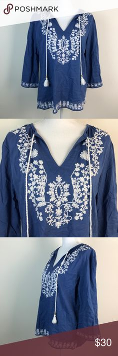 "Tara Michelle Blue Floral Boho Peasant Tunic Top Tara Michelle Women's Blue Floral Boho Peasant Tassel Casual Tunic Top Medium  Gently Worn, Excellent Condition!    Please refer to pictures for additional condition information and if you have any other questions about this item please feel free to ask!  Measurements Laying Flat: Length: 24 1/2"" Armpit to Armpit: 21 1/2"" Sleeve Length: 17 1/4"" Tara Michelle Tops Blouses"