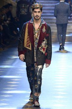 Avan Jogia - Dolce&Gabbana Fall/Winter 2017 Men's Fashion Show Style Couture, Couture Fashion, Fashion Show, Avan Jogia, Indian Men Fashion, Mens Fashion, Gq, Dolce And Gabbana 2017, Fashion Forecasting
