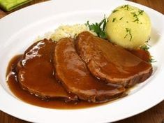 Beef Braised in Amarone wine original recipe, winter recipes, Italian food Cooking Beets, Cooking Chef, Salsa Gravy, Beef Skillet Recipe, Kenwood Cooking, Cooking Movies, No Calorie Foods, Fish Dishes, Saveur