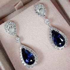 This stunning drop earrings made from 18k white gold feature two gorgeous 6.61&.6.44carats sapphires #PrimaGems