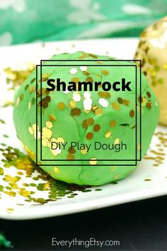 St. Patrick's Day Shamrock DIY Play Dough {No Cook Recipe} on EverythingEtsy.com