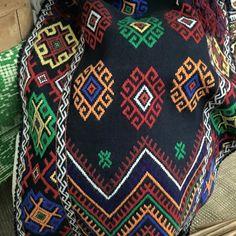 #rotexte Quilts, Blanket, Blouse, Comforters, Blankets, Quilt Sets, Blouses, Carpet, Log Cabin Quilts