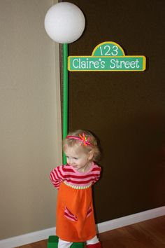 Sesame Street Birthday Party Sign. This one looks easy to make! Cute for pics!