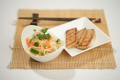 Rezept Asiasalat Tofu, Chili Sauce, Browning, Noodles, Side Dishes, Food Portions, Easy Meals, Cooking, Recipies