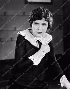 photo Lois Wilson portrait from silent western film The Vanishing American 1212-12