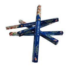 http://www.maniasemanias.com/produto/incenso-vareta-rosa-branca - INCENSO VARETA ROSA BRANCA - Objetivo: Paz, purificação e segurança. - Embalagem: Caixa com 8 varetas - Marca: Sac