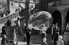 The bubble balloon man entertaining the visitors at Central Park. By Javan Ng, Your Take