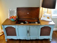 'Vintage Record Player Cabinet by MommomsDesk on Etsy'.this just brought back memories of my parents' cabinet. Vintage Record Player Cabinet, Vintage Stereo Cabinet, Antique Record Player, Record Player Console, Record Cabinet, Vintage Records, Record Players, Record Table, Refurbished Furniture