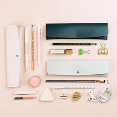 Minimalist Pencil Pouch ★ Epinglé par le site de fournitures de loisirs créatifs Do It Yourself https://la-petite-epicerie.fr/fr/125-fournitures-et-outils ★