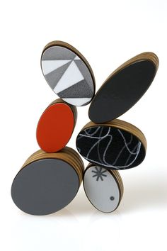 Katy Hackney ~ ovals brooch, detail 2010  vintage Formica, plywood, bamboo, silver, steel. 80 x 85 x 20mm
