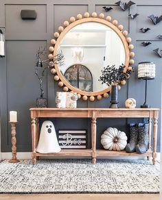 Halloween Decorations Apartment, Halloween Home Decor, Fall Home Decor, Autumn Home, Diy Home Decor, Fall Apartment Decor, Living Room Halloween Decor, Halloween House, Halloween Inspo