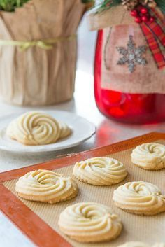 Butter Swirl Shortbread Cookies are a great Christmas Cookie for Holiday Baking! The dough is so easy to make and uses simple ingredients. These are a classic, crisp cookie. from @fifteenspatulas