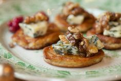 Try this delicious parsnip blinis with blue cheese, walnuts and honey canapé recipe plus other recipes from Red Online. Easy Canapes, Canapes Recipes, Vegetarian Canapes, Vegetarian Recipes, Veggie Recipes, Paella, Christmas Canapes, Christmas Nibbles, Christmas Puppy