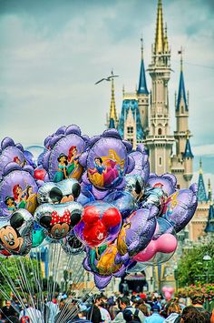 Main Street Balloons & Cinderella Castle , Walt Disney World in Orlando… Walt Disney, Disney Love, Disney Art, Disney Stuff, Disney California, Disney World Resorts, Disney Vacations, Wyoming, Hampshire