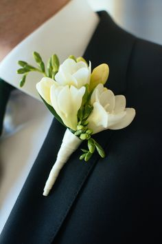 Pretty good use of freesias for boutonnières, especially if the lower buds were removed for the bouquet! Prom Flowers, Bridal Flowers, Corsage And Boutonniere, Boutonnieres, Wedding Boutonniere, White Boutonniere, Groomsmen Boutonniere, Freesia Bouquet, Button Holes Wedding
