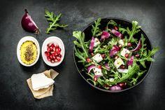 Przepis: Ptasie mleczko najprostsze - Proste i Smaczne Przepisy Salat Bowl, Feta Salat, High Protein Recipes, Healthy Salad Recipes, Fertility Foods, Fertility Problems, Spring Salad, Yummy Snacks, Love Food