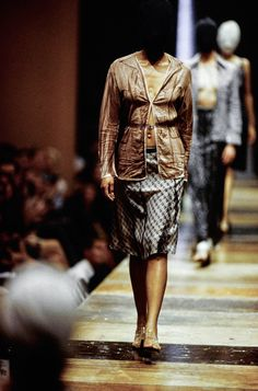 See the complete Maison Margiela Spring 1996 Ready-to-Wear collection.
