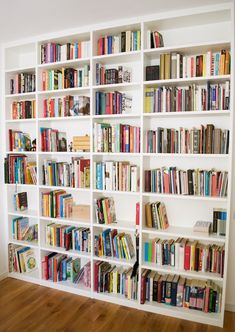 Home Remodel Diy .Home Remodel Diy Home Library Decor, Home Library Design, Home Libraries, House Design, Living Room Bookcase, Bookcase Wall, Home Living Room, Decorating Bookshelves, Bookshelves Built In