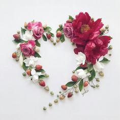 Image may contain: flower Month Flowers, Love Flowers, Beautiful Flowers, Paper Flower Decor, Flower Wall Decor, Deco Floral, Arte Floral, Heart Decorations, Valentines Day Decorations