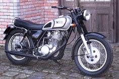 """Vintage Norton Custom"" Yamaha SR400 1999 by New Gate | Japan | via SR400times.com"
