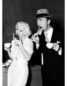 What could be more exciting then be near Jean Harlow, an #American #sexsymbol of the #1930s? William Powell, an American #actor, nominated for the #AcademyAward for #BestActor three times: for #TheThinMan (1934), #MyManGodfrey (1936), and #LifewithFather (1947) with a #pocketsquare, and eating #toast. #InspiringWomen #InternationalWomensDay #JeanHarlow #WilliamPowell #actress #celebrity #celebritystyle