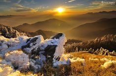 Sunset with melting snow by Evan Yuan on 500px
