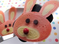 Bunny Pancakes Tutorial ~ I haven't seen a breakfast this cute…well, ever! Pink bunny pancakes with chocolate eye balls and a red M nose = the perfect Easter morning breakfast.