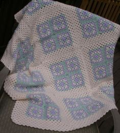 Baby Blanket - Granny Squares in Lilac, Mint Green and Cream #crochetsquares