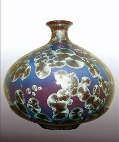 http://www.ceramandenne.be/wp-content/uploads/2011/10/C%C3%A9ramique-avec-gla%C3%A7ures-%C3%A0-cristallisation-Denis-Caraty-France1.jpg