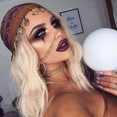 Looking for pretty Halloween makeup ideas? We've found some incredible looks from Instagram and they mainly involve glitter, gems and a LOT of sparkle. If you didn't want to be a mermaid before, you'll probably want to try it now... Halloween Makeup Witch, Pretty Halloween, Halloween Kostüm, Halloween Outfits, Women Halloween, Gypsy Halloween Costumes, Cute Witch Costume, Kid Costumes, Vampire Costumes