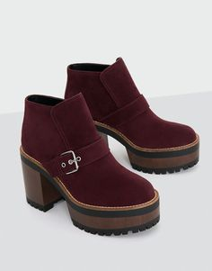 42 Fall Booties That Always Look Fantastic – New Shoes Styles & Design 42 Fall Booties That Always Look Fantastic shoes womenshoes footwear shoestrends Pretty Shoes, Cute Shoes, Look Fashion, Fashion Shoes, Pull & Bear, Design Thinking, Fall Booties, Shoe Wardrobe, Only Shoes