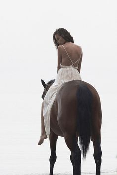 Bohemian Diesel. I love this picture cuz I am a Free Spirit AND I LOVE HORSES, I GREW UP WITH THEM ALL MY LIFE, THEY WERE MY ESCAPE FROM MY HOME LIFE TROUBLES AND MY TRUEST TRUSTED FRIENDS. Michele Bailor ❤❤❤